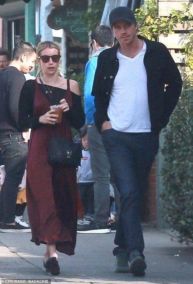 Emma Roberts Enjoys Breakfast With Boyfriend Garrett Hedlund In 2020 Emma Roberts Garrett Hedlund Boyfriend