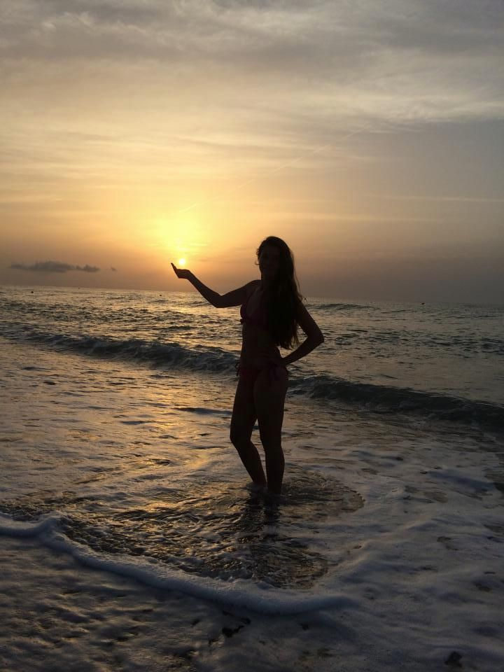 The sun in my hand. #power #sunrise #sunisup #amanecer #rasarit #summer #loveit #inlove