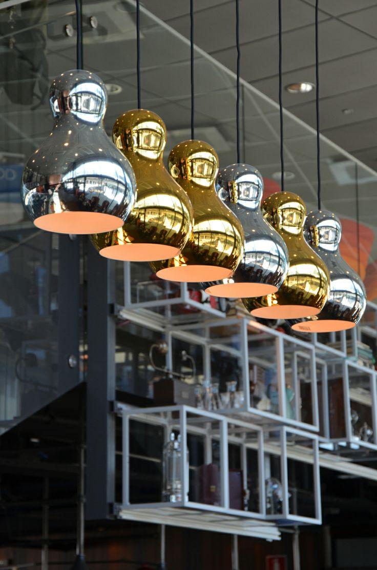 Radisson Blu Riverside Göteborg. Härliga bild på belysningsarmaturer. #belysning #restaurang #design
