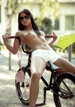 i have a love for girls on bicycles. This is not my only Tumblr and so occasionally I will post...
