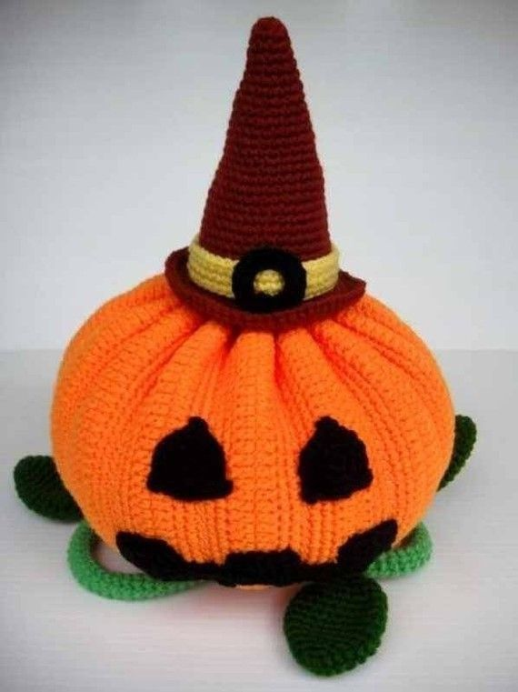 Crochet Pattern HALLOWEEN PUMPKIN Toys. Halloween crochet  #halloween #crochet ww.loveitsomuch.com