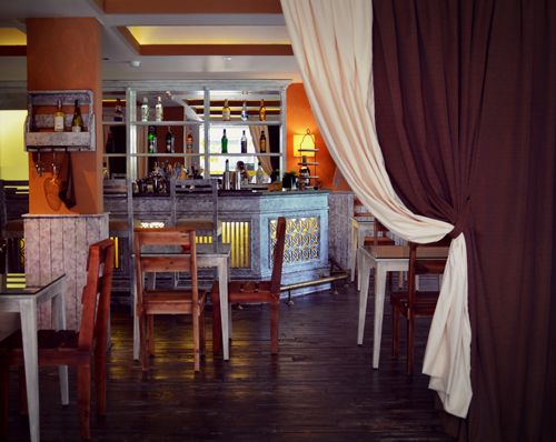 Discover a #restaurant for rent in #district7 in #hochiminhcity (Vietnam)