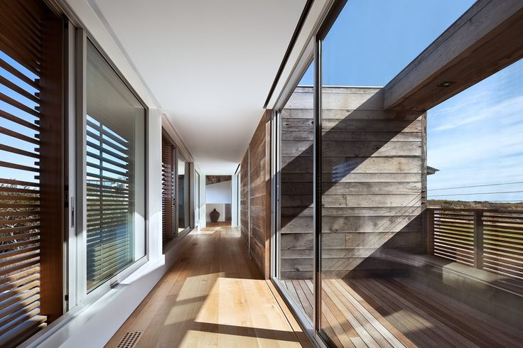 Bates Masi Genius Loci - wood feature - again, I like the uneven widths of the wood panels