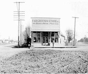 Fairgrounds Store, H. Doe & Sons, Salem, Oregon, 1916 :: Bush Family Historic Photographs