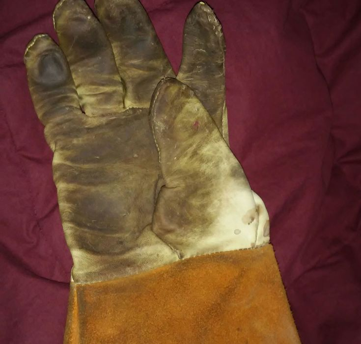 """Don't chuck yer 15$ welding gloves because the seams came apart.This is how to """"Man Sew"""" with Kevlar thread, and get a crazy long life out of your welding gloves.I have a rather large collection of nice leather TIG gloves that I got new while at various welding jobs over the years. usually the seams on one glove come undone after a week, long before the leather rips, and I'd chuck em into a drawer and ask for new ones.these gloves cost from 7 to 25$ a pair by the way, but can't be u..."""