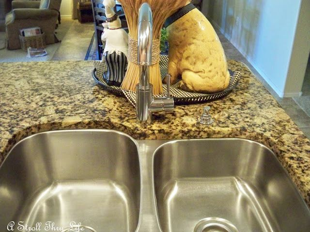 A Stroll Thru Life: Easy Fast Cleaning Tips and Tricks
