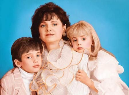Photo of jonbenet and family for fans of jonbenet ramsey.
