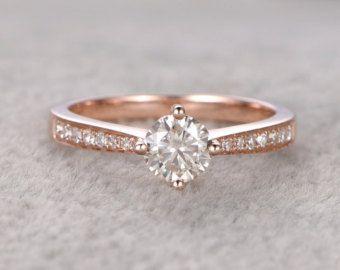 05 ct brillante Moissanite anillo de compromiso de oro por popRing Más