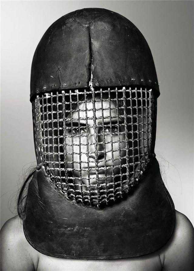 richard-burbridge-mask-photography-for-livraison-magazine5