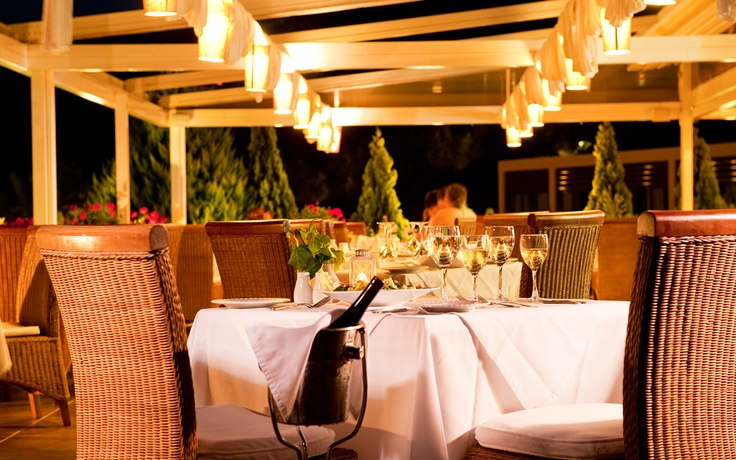 Enjoy an evening meal while experiencing the smells from the summer nights of Skiathos. Visit www.kassandrabay.com/hotel-restaurant for more information.