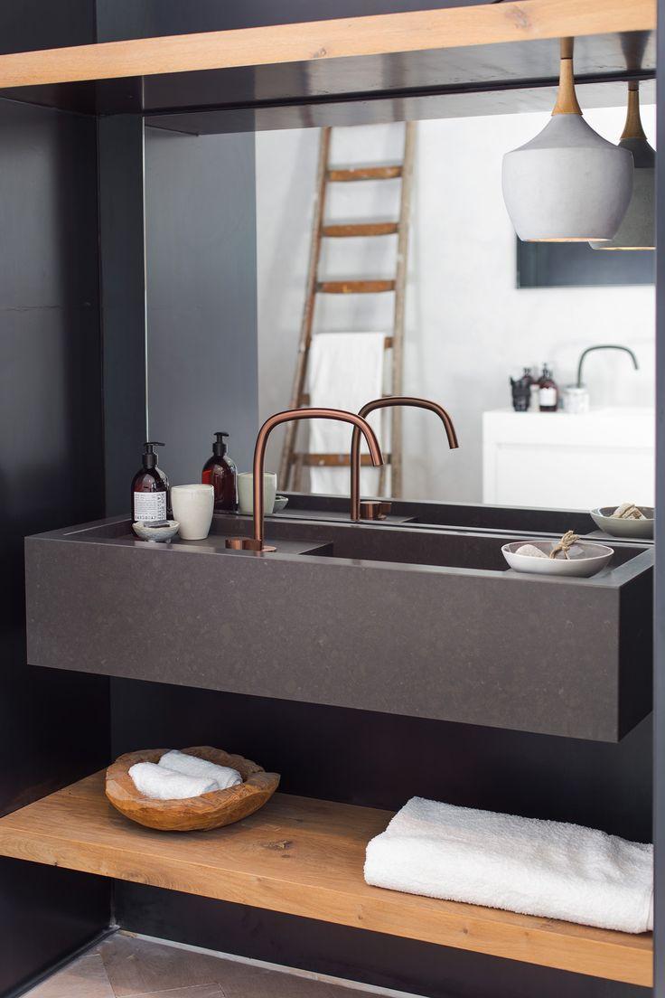 25 beste idee n over rustiek moderne badkamers op pinterest modern rustieke interieur - Badkamer cocooning ...