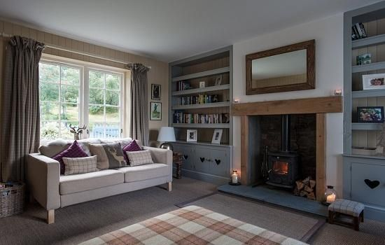 SCOTLAND: Highland Cottage, Loch Ness as featured on GeorgeGoldsmith.com. Beautifully laid out cottage with loch access. The living room is a wonderfully coordinated, calm space with great charm.