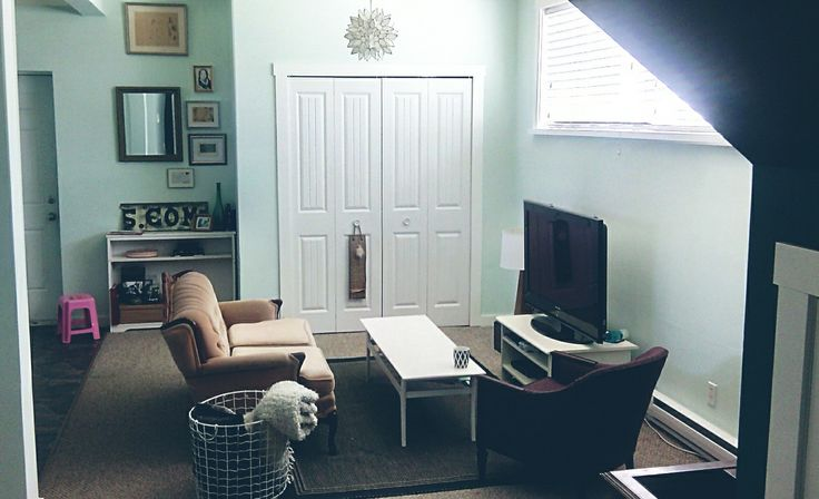 Behr snowbound, mint, living room, eclectic space