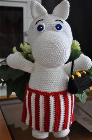 Moomin Knitting Pattern : 280 best images about Moomin mittens- muumit ohjeet on Pinterest Stitching,...
