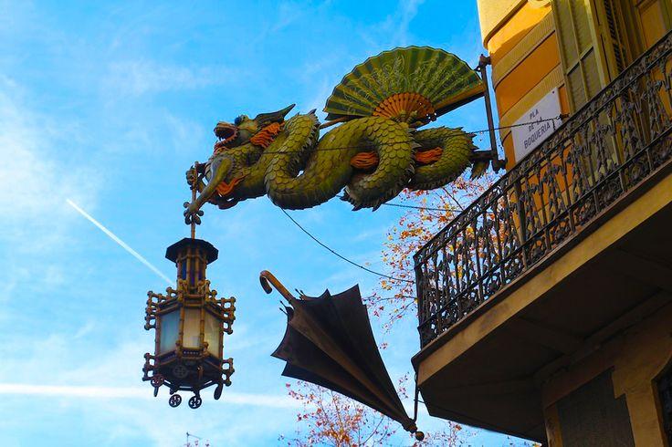 Casa Bruno Quadros.  Les Rambles, 82,8002 Barcelona