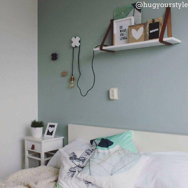 Doet dit plaatje denken aan jouw slaapkamer? Kijk dan nu verder naar onze top 10 mooiste slaapkamers http://hsfy.nl/top10s5 #woning #stijl #slaapkamer #wit #mint #muur #bed #mooi #inspiratie #wonen #top10 #interieur #interieurstyling #binnenkijken  @hugyourstyle