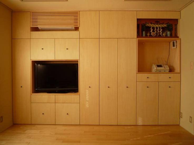 光と空気の改修: 株式会社相田土居設計が手掛けたモダンリビングです。