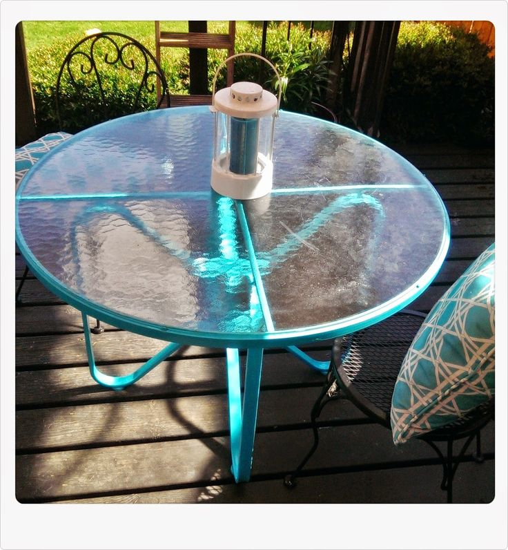 Do it Yourself Girl! Meg-Made Creations: Spray Paint Patio Table - From Rust Stained to Retro!