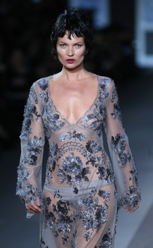 Nude-look, Black Hair: Louis Vuitton