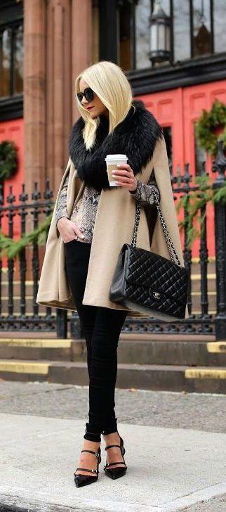 #fashion #winter / bufanda de piel sintética + capa de crema