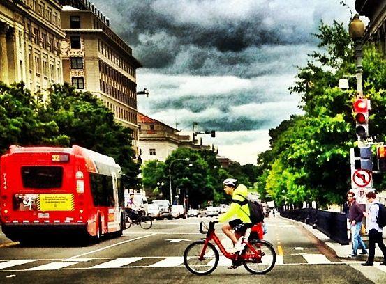 Transporte Urbano y Ciclismo: Lecciones de Europa y Estados Unidos para América Latina