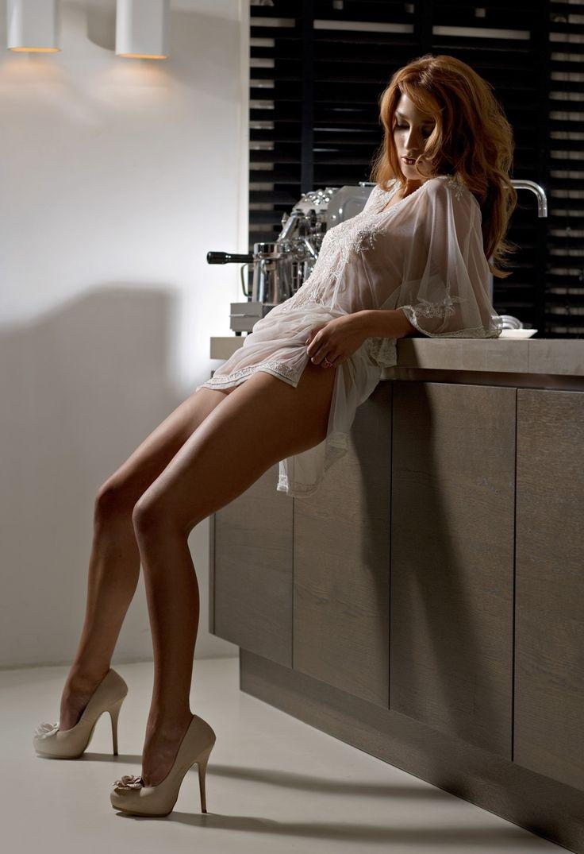 redhead model long legs