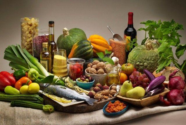 Μεσογειακή διατροφή: Ποια είναι τα οφέλη της για την υγεία μας;