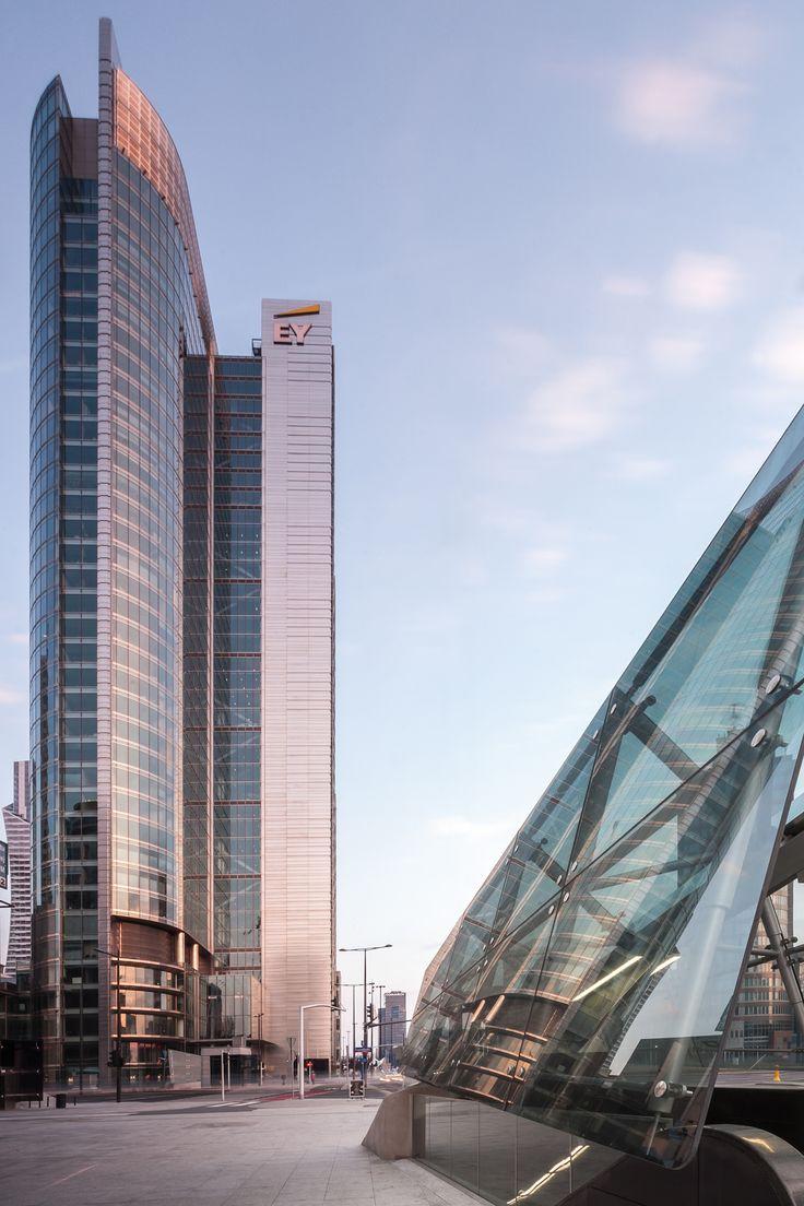City of glass by Daniel Ciesielski on 500px