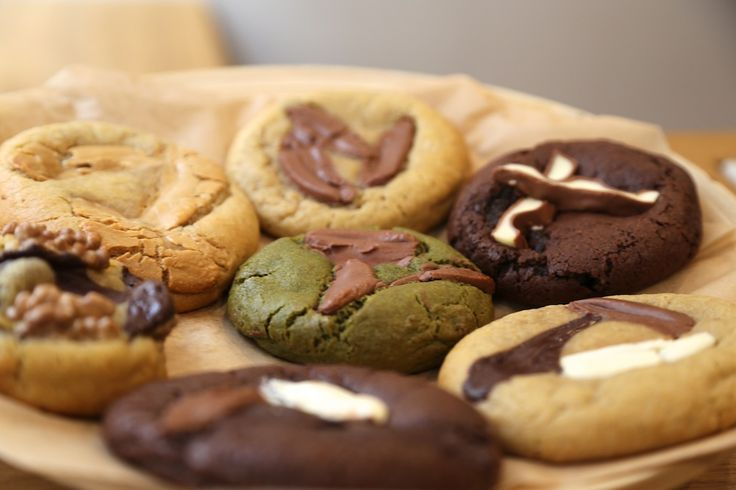 Scoop Me A Cookie, les meilleurs cookies de Paris – Parisianavores 5-7 Rue Crespin du Gast, 75011 Paris 72 rue Legendre, 75017 Paris  www.scoopmeacookie.com