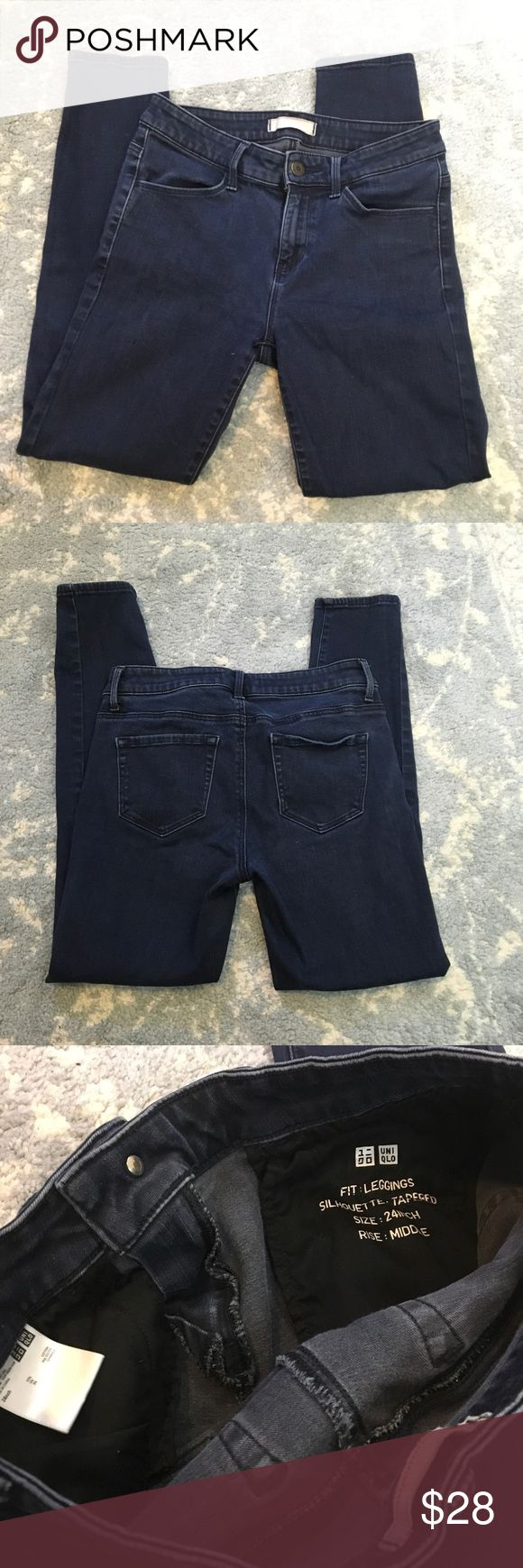Uniqlo Legging Demin Cropped Jeans Cute jeans size 24 and are lightly worn! Uniqlo Jeans