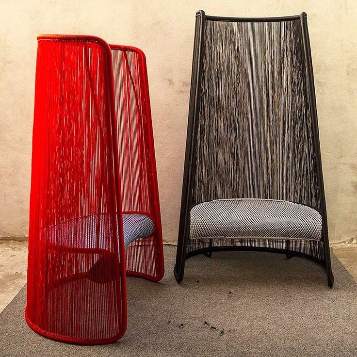 """Inspired by the protective Husk surrounding an ear of corn  'Husk' outdoor chair by @MarcThorpeDesign for @Morosoofficial is the perfect seat to bring outside for the weekend. A part of Moroso's M'Afrique collection the textile weave in Husk is made from the same material as used in fishing nets & is assembled by artisans in Dakar Senegal. """"It is all produced by local craftsman using a tubular steel structure that's woven with the threads"""" Thorpe explained in an interview with @dezeen. An…"""