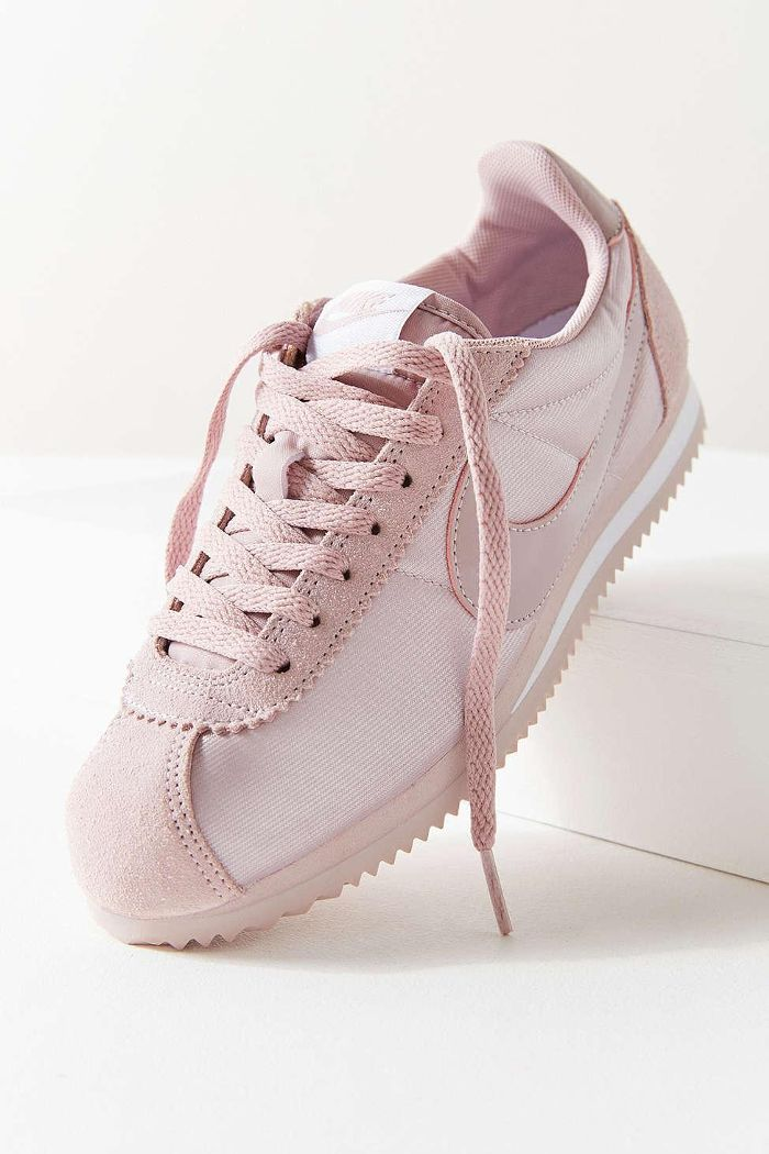 quality design d9012 69a17 Nike Classic Cortez Nylon Womens Sneaker