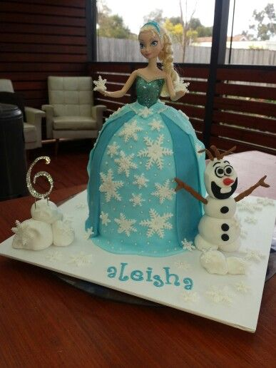 Elsa fondant cake with olof