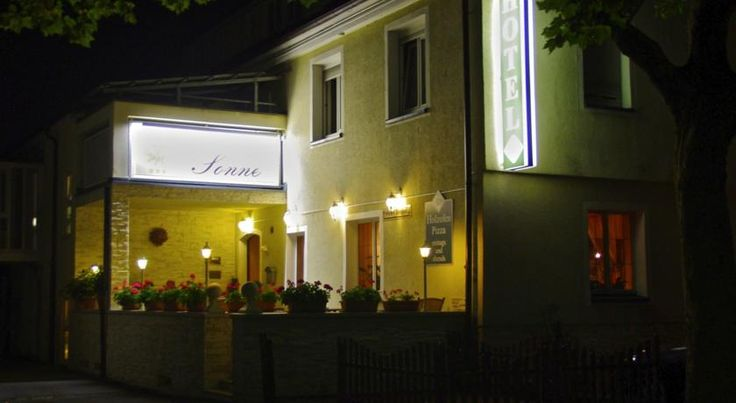 Hotel Restaurant Sonne Weingarten This family-run hotel offers free Wi-Fi, free parking and an international restaurant. It stands in the centre of Weingarten, a 5-minute walk from St. Martin's Abbey.