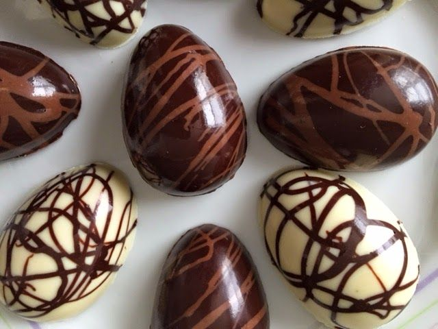 The Ultimate Chocolate Blog: White Chocolate & Peanut Butter Truffle Easter Eggs - Recipe and 'How-To' for Using Simple Candy Molds