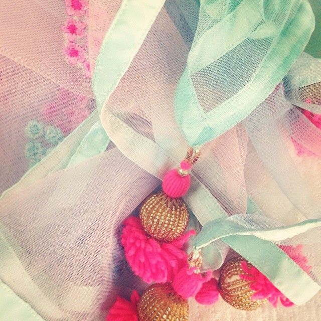 #ShareIG #pastels#shades#latkans#indian#dupatta#embroidery#floral#threadwork#pinupdiaries