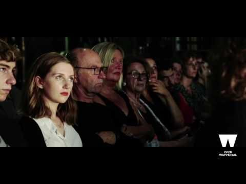Wuppertaler Bühnen: Three Tales - Trailer Spielzeit 2016/17   Filmproduktion Siegersbusch Wuppertal 2016 Video-Oper von Beryl Korot und Steve Reic Three Tales  drei Geschichten: 1. Ein gigantischer Zeppelin wird den Atlantik überqueren. Während der Landung bei New York geht er in Flammen auf  der brennende Zeppelin wird zu einem Symbol für die technische Hybris des 20. Jahrhunderts. 2. Auf dem Bikin-Atoll werden die amerikanischen Streitkrafte Atomtests durchführen die die Inseln dauerhaft…