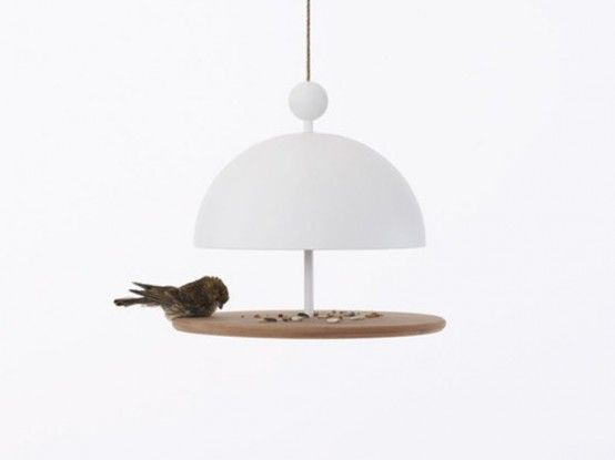 http://www.digsdigs.com/contemporary-bird-feeders-in-shapes-of-tableware/ #fågelmatare birdbox.se