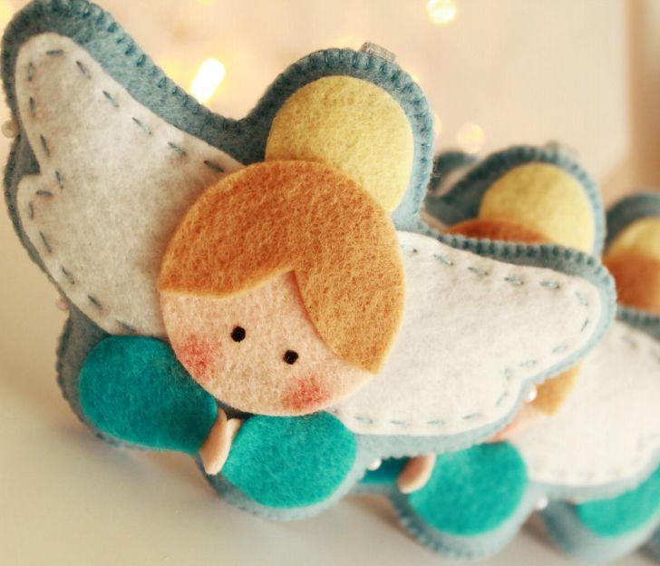 Kijk wat ik gevonden heb op Freubelweb.nl: Kerstengeltje van vilt om zelf te maken http://www.freubelweb.nl/freubel-zelf/zelf-maken-met-vilt-kerstengeltje/