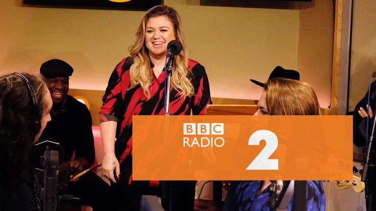 Kelly Clarkson -  My Lovin' (You're Never Gonna Get It) (En Vogue cover, Radio 2 Breakfast Show) - YouTube