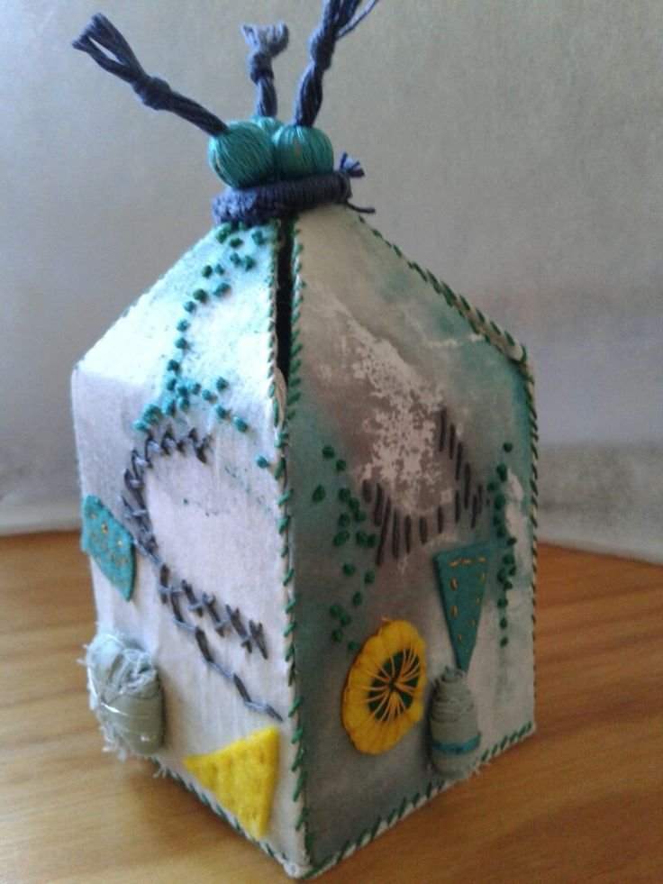 Bushbabies Craftworks : fabric covered box with embroidery and fabric beads
