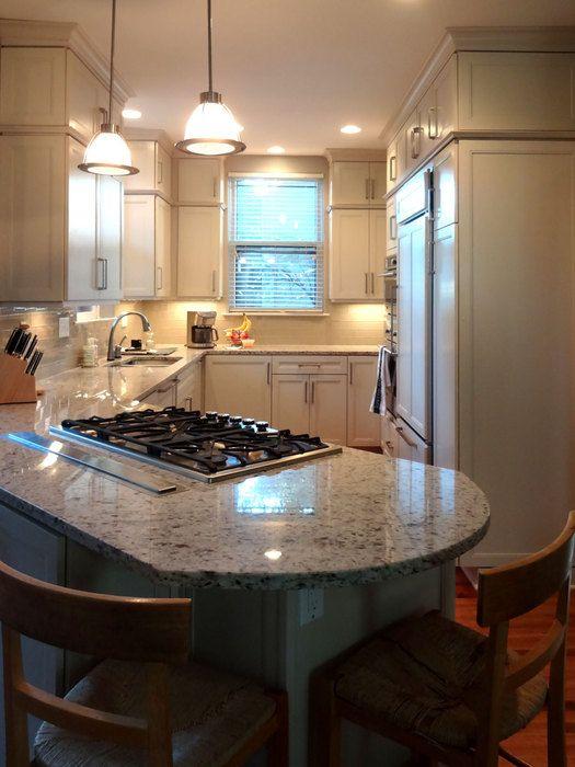 Marvelous #smallspaces #kitchen #peninsula #storage #cabinets