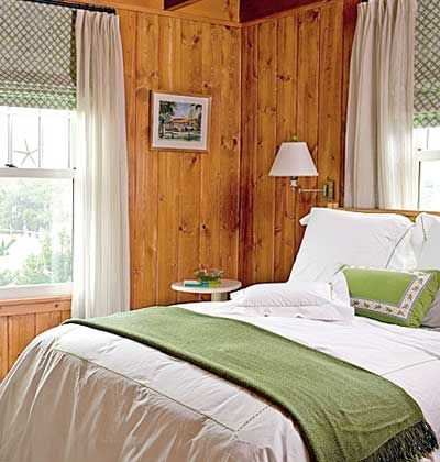 Natural wood, white, and black neutrals, combined with a vibrant shade like kiwi green: Bedrooms Colors, Beaches House Bedrooms, Natural Wood, Window Treatments, Knotty Pine, Wood Panels Bedrooms, Wood Wall, Pine Wall, Beaches Style