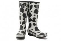 Fashion BootZ | Zook  Leuke regenlaarzen met zwart, witte koeienprint.