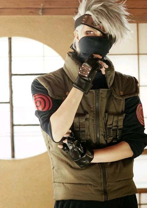 Wow this is an amazing Kakashi cosplay
