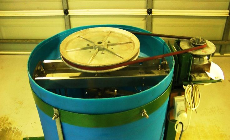 Homemade honey extractor. A beekeepers review - heavy duty four frame be...