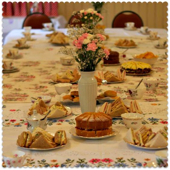 Another thrifty baby shower: a 1950s tea party