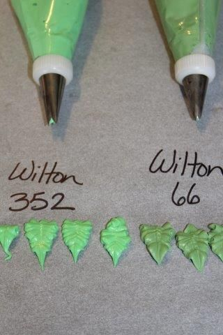 Icing Tips: Wilton 352 and Wilton 66 all about piping leaves