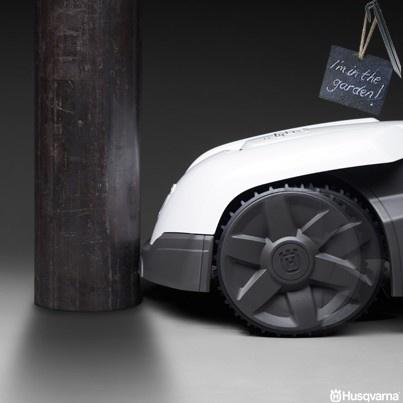 Non temere gli ostacoli.. Automower ha i sensori di collisione.