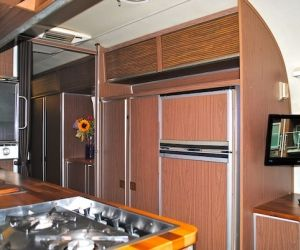 29 ft 1970's Land Yacht - interior - Beautiful trailers for all your events